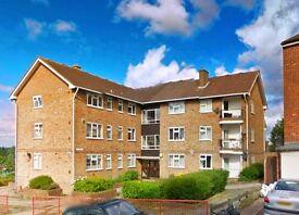 3 bedroom flat in ELBURY COURT, Vicarage Road, Woodford, IG8