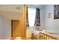 SINGLE ROOM TO RENT IN LEYTON E10 6EH-ALL BILLS INCLUDED-