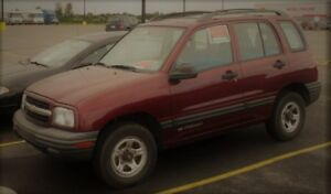 """2002 Chevrolet Tracker SUV, 4x4 Crossover """"similar to picture"""""""