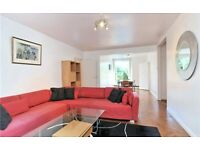 Luxury 3 Double Bedroom Apartment with beautiful communal gardens in the heart of Hampstead