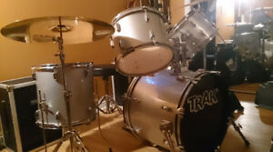 Drum TRAK//Cymbales B8Pro//Splash Zildjan//Pédale double Pearl