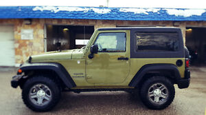 2013 Jeep Wrangler Low Milage/ One Owner/ Safetied Clean Title