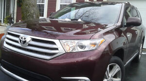 2011 Toyota Highlander Limited in excellent condition