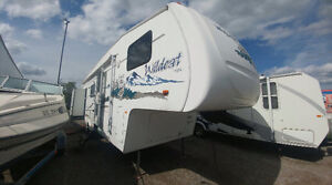 2006 wildcat 5th wheel with two slide outs $10,900 easy financin