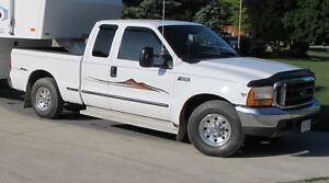 1999 Ford F-250 XLT Pickup Truck