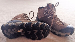 """Hiking Boots """"Oboz""""  Size 6"""
