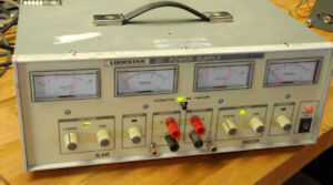 Dual tracking bench top power supply