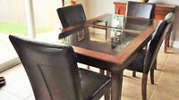 Gently Used Dining Set in Excellent Condition
