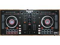 Numark Mixtrack Platinum DJ Controller built in display