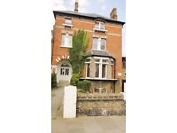 We are happy to offer this beautiful and bright Large DOUBLE BEDSIT in Carleton Road, Camden, N7