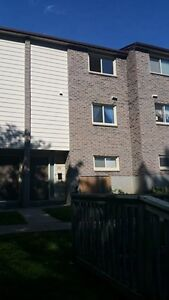 $1750 Plus - 5 Bdrm Near Oxford and Western