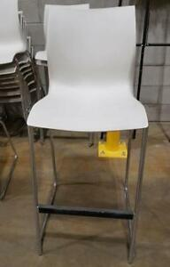 Stool Cantilevel, no arms white (6 available)
