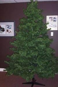 CHRISTMAS TREE ....7 1/2 FEET