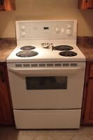 """Electric stove, """"Whirlpool"""" in very good condition."""