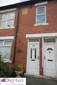 REDUCED - Deposit free renting - 3 bedroom flat on Aln Street - £770 Total move in with Dlighted