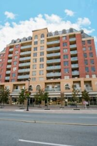 Main and Queen : 171 Main Street North , 1BR
