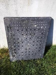 Plaque pour drain de garage