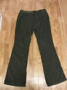 Banana Republic Trouser style Olive Cords/Corduory - 12 Long