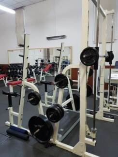 Smith machine and squat rack