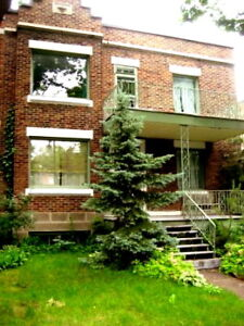 Outremont, large upper floor of a duplex