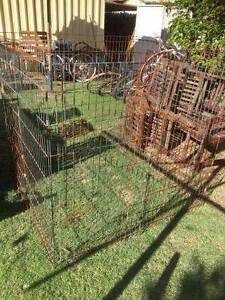 Old Metal Pet Pen Beckenham Gosnells Area Preview