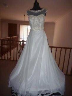 Wedding Dress Halo Bridal size 12 Wangaratta Wangaratta Area Preview