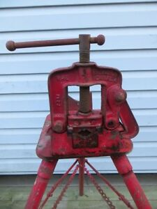 "2 1/2"" Pipe Vise with Stand London Ontario image 2"