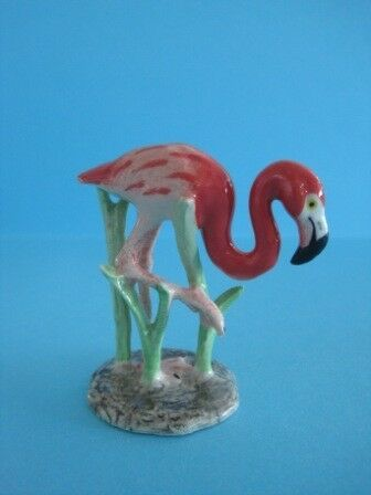 NORTHERN ROSE PORCELAIN FLAMINGO IN GRASS FIGURINE POPULAR FIGURINE *Mint*