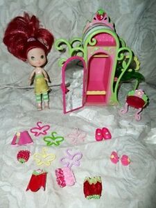 Strawberry Shortcake Wardrobe Closet & Vanity Set