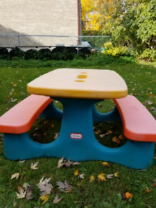 LIttle Tikes picnic play table