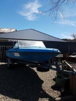 project 4.200 fibreglass boat