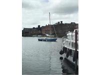 Sailing boat - yacht Oulton Broad