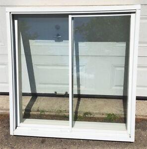1 Fenêtre coulissante thermo 47'' x 47''3/4 à vendre