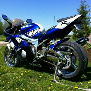 Mint 2001 Champions limited edition R6