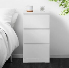 Chest of 3 drawers / white bedside table (Ikea's MALM)