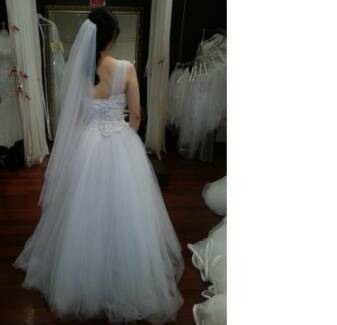 Couture Wedding Dress, Veil, and Accessories Package (Size 8-12) Sydney City Inner Sydney Preview