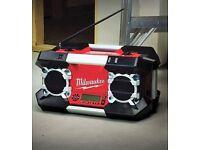 New Milwaukee 12v 18v 28v 240v Cordless Contractors Jobsite Stereo AM/FM tuner Dab Radio Unit, Tools