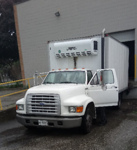 1996 Ford F-550 17Ft Reefer Delivery Truck