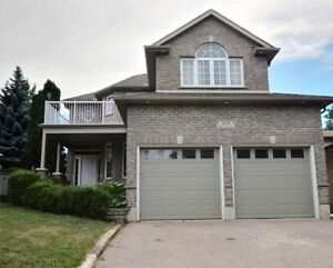 ALL BRICK DETACHED FLEXIBLE MOVE-IN & STUNNING MASTER RETREAT
