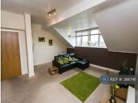 3 bedroom flat in Village Mews, Wallasey, CH45 (3 bed)