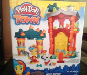 ONLY $15! Play-Doh Town Firehouse