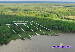 Waterfront lots on Winnipeg River - near Lac du Bonnet