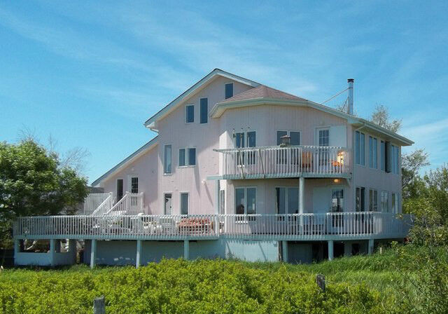 Waterfront All Season Vacation Home Plus A Guest Cottage