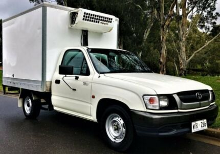 2002 Toyota Hilux RZN149R MY02 White 5 Speed Manual Cab Chassis