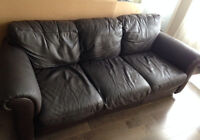 Divan en Cuir / Leather Couch