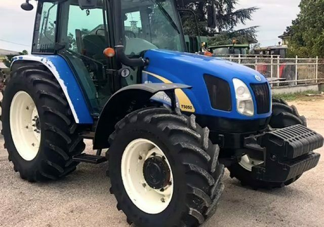 NEW HOLLAND New Holland TN60A - DT - motore cilindri 3 Iveco -
