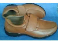 BNIB Dr Cringles Mens shoes size 9