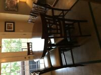 Dining set with buffet