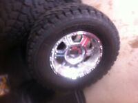 "17"" Pro-Comp polished aluminum rims for Jeep"