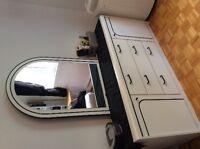 Set de chambre blanc, futon, meuble de Tv